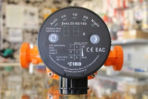 Automatinis elektroninis cirkuliacinis siurblys, 25 x 6 (180 mm)